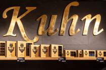 logo cafe kuhn