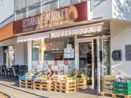 Frontansicht mit Obst und Gemüse Istanbul